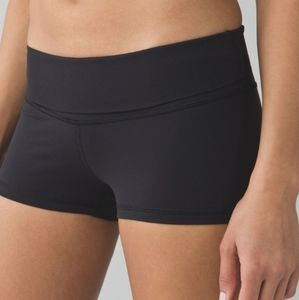 Lululemon Athletica NWOT Boogie Roll Down Shorts